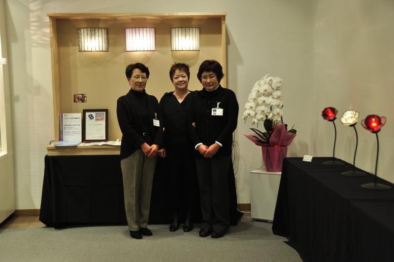 大村房子先生が作品展のお祝に駆けつけてくださいました