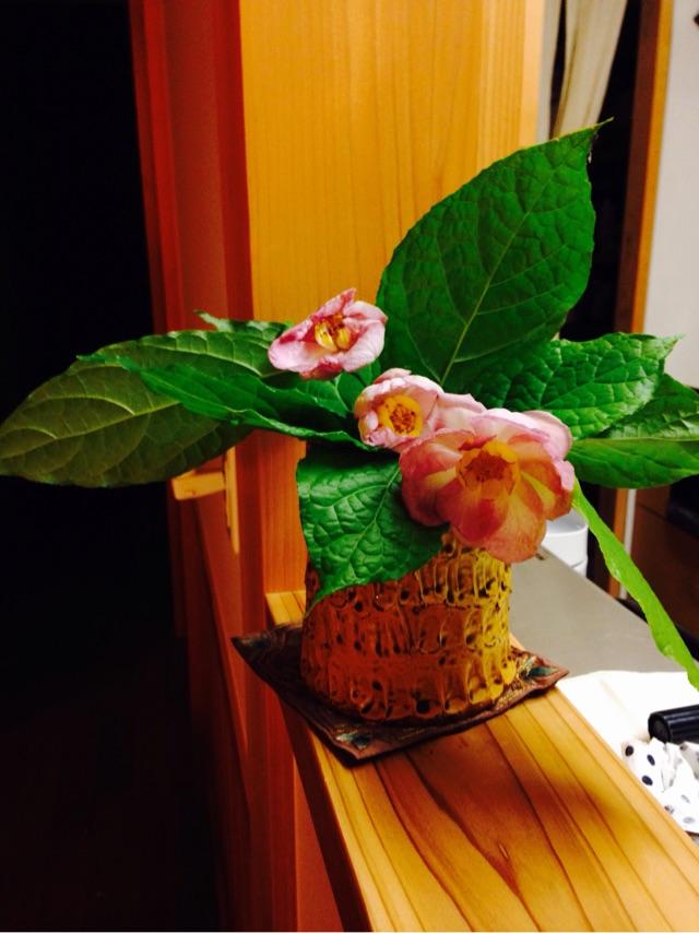 神父様からお花をいただきました。