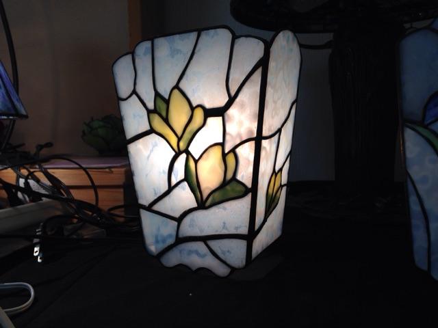 木蓮の壁掛け灯