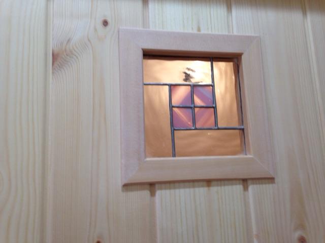 ドア窓にステンドグラス